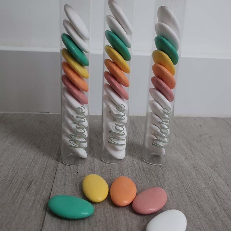 Doopsuiker proefbuisje suikerbonen regenboog kleurrijk