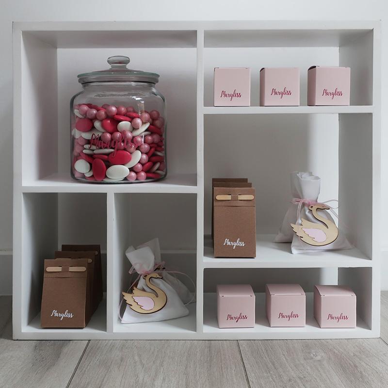 Doopsuiker presentatie roze zwaan meisje choco choups suikerbonen