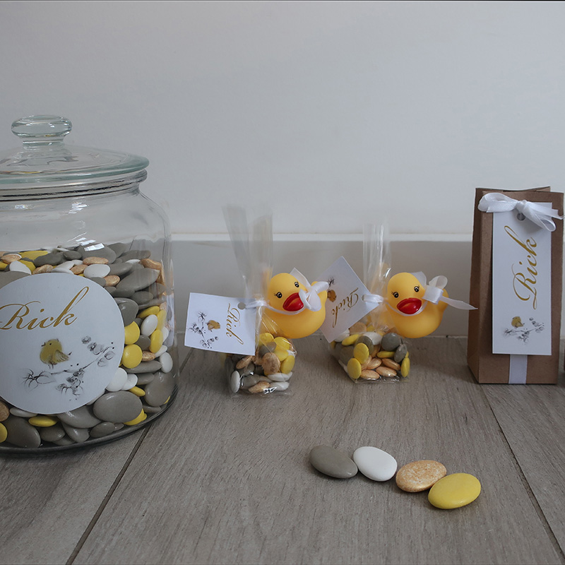 Doopsuiker taupe geel goud badeendje suikerbonen lentilles smarties strikje traditioneel